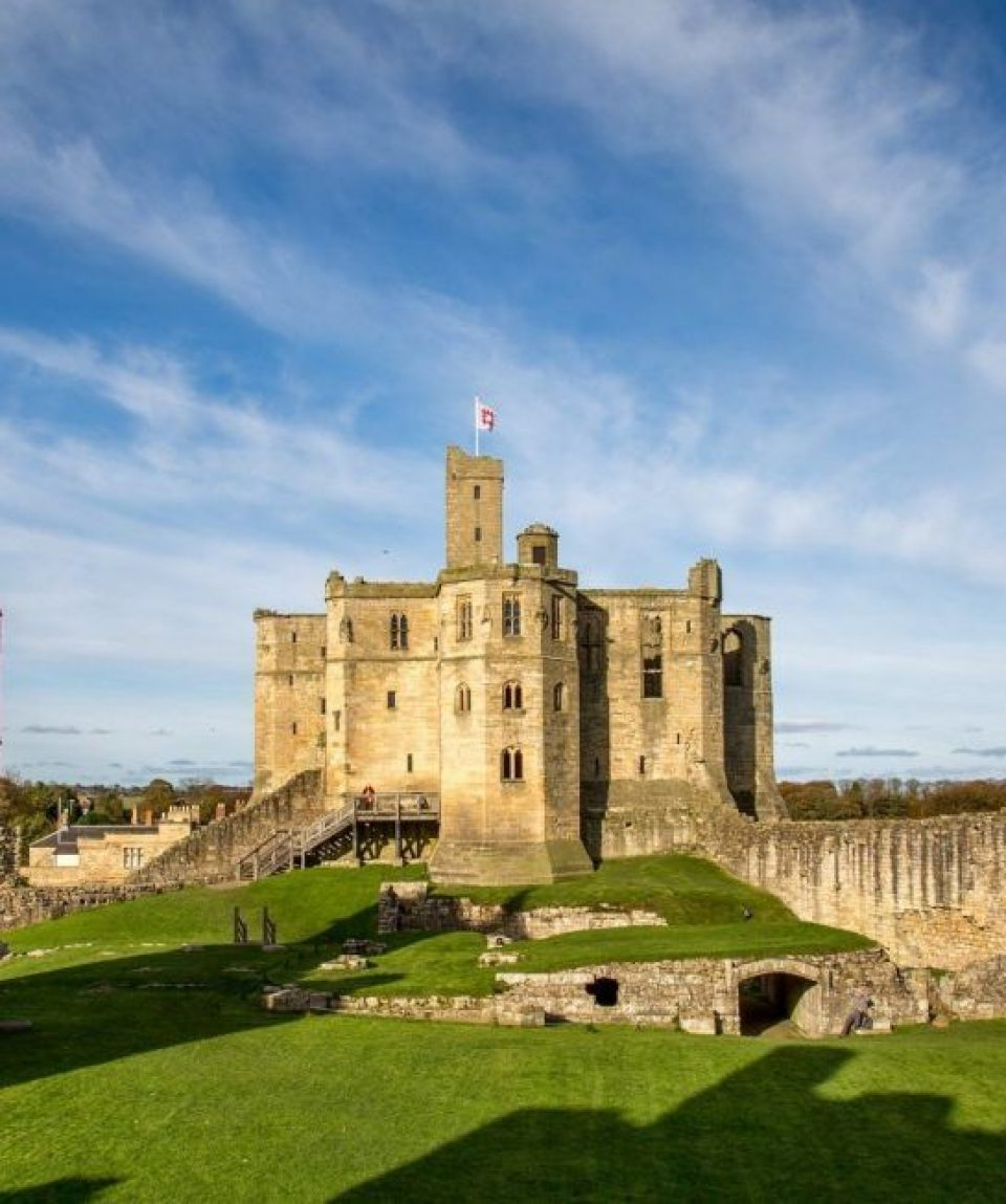 britain/any/001e9b/Warkworth-castle-g.jpg