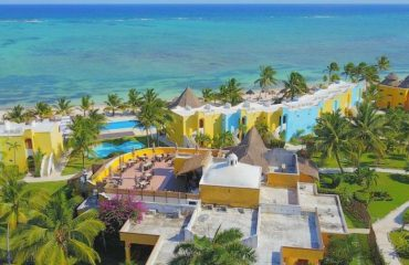 pavo_real_beach_resort_tulum.jpg
