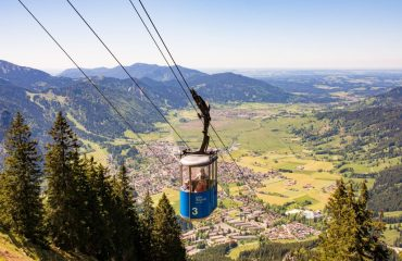 cable_car_on_laaber_mountain_over_oberammergau_-_zvd.jpg