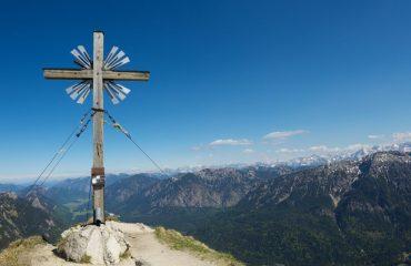 summit_cross_in_the_alps_-_zvd.jpg