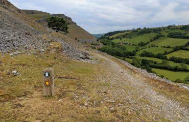 britain/wales/002390/Offas-Dyke-Path-mark-g.jpg